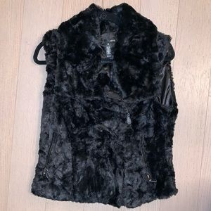 Faux Fur Vest. NEW.